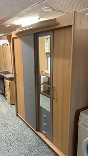 Moderner Kleiderschrank - 180x200cm - LD06034