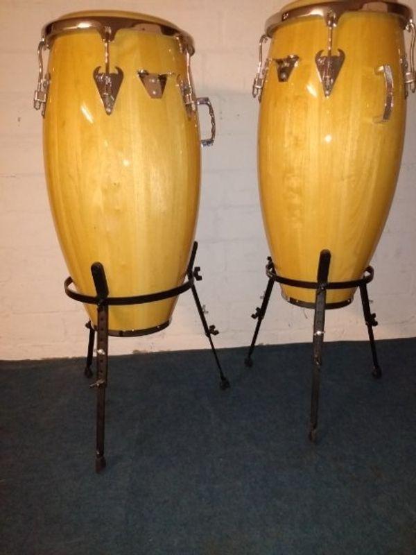 Zwei neue Congas