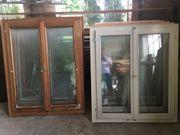 Alte Kassettentüren und Fensterstöcke mit