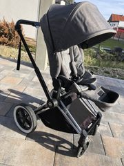 Cybex Priam in Manhattan Grey