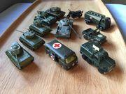 alte Spielzeugautos Militär