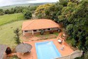 Haus mit Pool und Gästehäusern