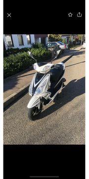 GT3- Sport Moped
