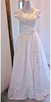 Hochzeitskleid weiss kurzarm Gr 36