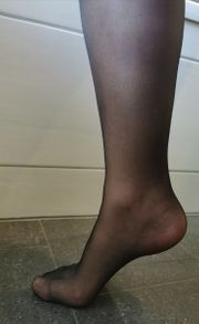 getragene schwarze Kniestrümpfe Nylon
