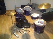 Schlagzeug gebraucht inklusive Sticks und