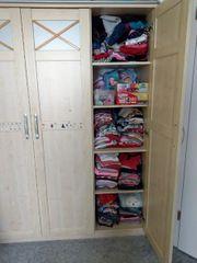 Babyzimmer Kinderzimmer - Kleiderschrank mit Wickelkommode
