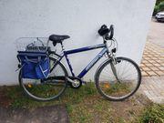 Ein Herren Fahrrad und ein