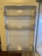 Einbau-Kühlschrank EKS 131-4 2 A