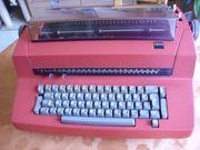 Altes Schmuckstück IBM Schreibmaschine elektrisch