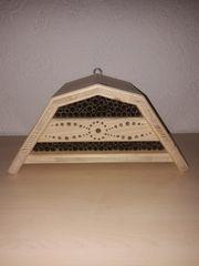 Insektenhotel für Wildbienen - Nisthilfe für