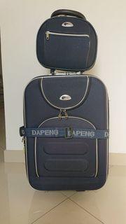 Koffer-Set Trolley mit Kosmetiktasche