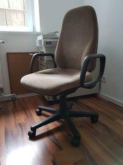 Büro- Rollen Stühle zu verschenken