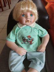 Süße Puppe sucht Puppen Mama
