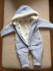 Neuer Baby-Overall aus Schafwolle für