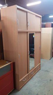 Kleiderschrank mit Schiebetüren 145 x