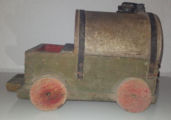 Wagen mit Wasserfass