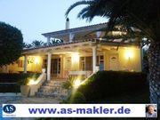 Villa Liakasa mit 3 Ferienwohnungen