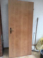 Holztüren zu verschenken