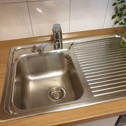 Waschbecken von Blanco mit Wasserarmatur