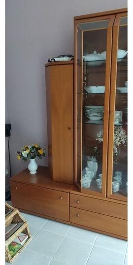 Wohnzimmerschränke, Anbauwände - Echtholz Wohnwand mit Glasvitrinen zu
