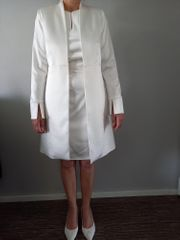 Brautkleid weiß glänzend in Etuiform