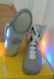 Nike Air Mag back to