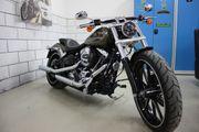 Harley-Davidson Softail Breakout FXSB 5HD1