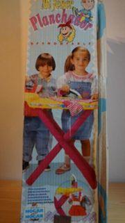 Bügelbrett mit Bügeleisen für Kinder