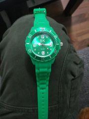 sk Uhr grün
