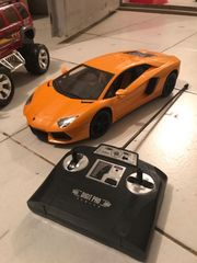 Ferngesteuertes großes Auto