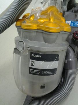 DYSON STAUBSAUGER DC 19