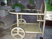 Teewagen aus Hellem Holz mit