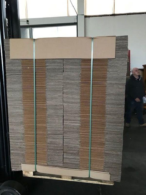 Kartons Kartonagen 585x385x270mm zus 270