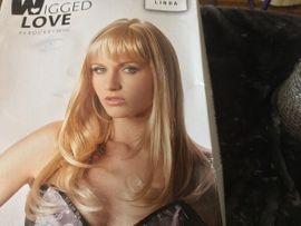 Perrücken WIG wenig getragen blond: Kleinanzeigen aus Leutenbach Nellmersbach - Rubrik Kosmetik und Schönheit