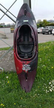 Kajak Playboat Rodeokajak Wildwasser dagger