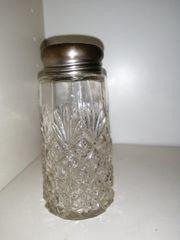 Alter Zuckerstreuer Pressglas 12 -