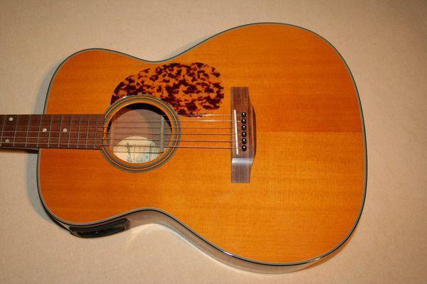 Western-Gitarre Blueridge BR143 mit Tonabnehmer