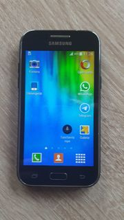 Samsung Galaxy J1 Smartphone 4