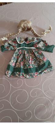Puppenkleid sowie Perücke