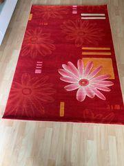 wundrschöner neuer Teppich