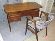 Vintage-Schreibtisch mit Stuhl