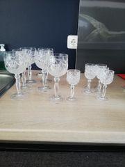 Gläser Likör und Weingläser