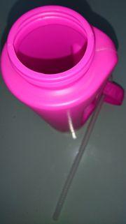 Trinkflaschen mit integriertem Trinkhalm