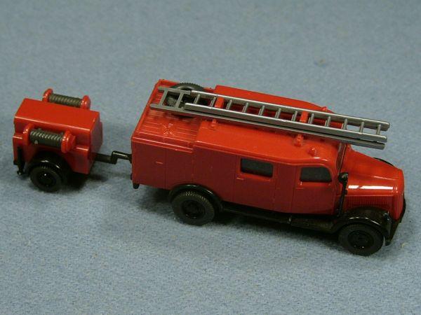 WIKING Feuerwehr LKW mit Anhänger