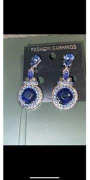 Schöne modische Modeschmuck Ohrringe