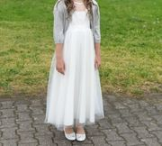 Schönes Mädchen Kleid in Größe