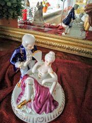 Porzellanfigur Romantisches Paar mit Spieluhr