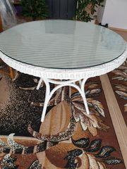 Terrassen-Tisch aus Rattan