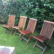 Gartenstühle und Gartenbank